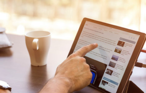 Scrolling on iPad - Grow your contact base with LinkedIn for lead generation